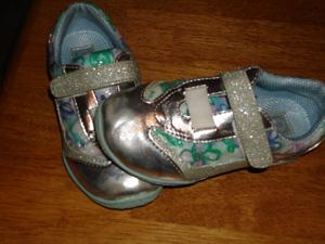 annas-sneakers